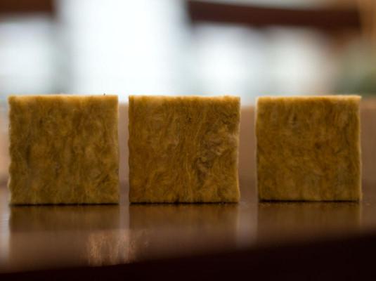 Отличие каменной ваты от минеральной>